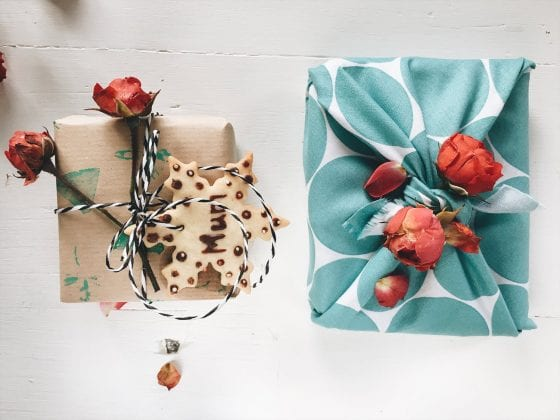 Eco-friendly gift wrap ideas. | PearTreePond Blog #creative #ecofriendly #giftwrap #giftwrapping