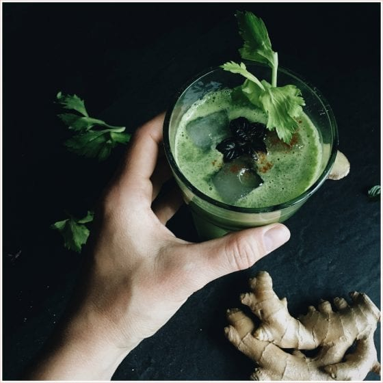 Make your own amazing detox drinks, choker full of vitamins, minerals and antioxidants, these drinks make you look and feel amazing! | PearTreePond Blog #detox #detoxjuice #cleaneating #healthy #greenjuice #wellness