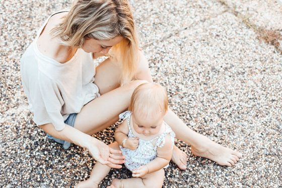 Mom and Baby - How to start a money-making mom blog to help support your family